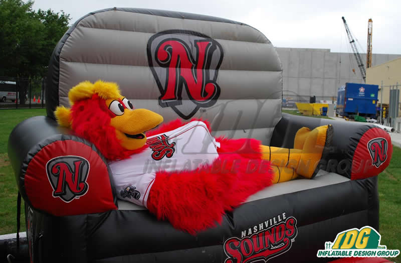 Nashville Sound Couch with Mascot