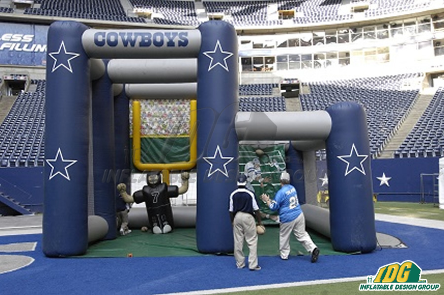 Cowboys Kick & Toss