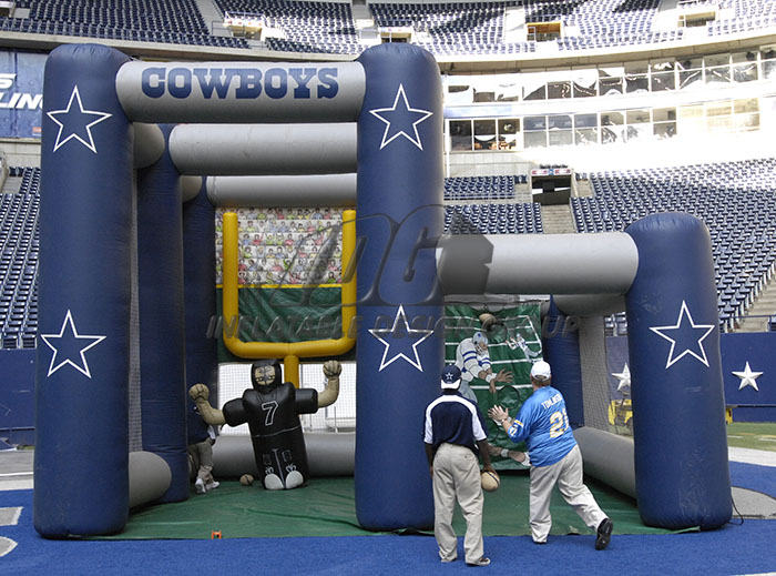 Dallas Cowboys Dual Kick and Toss