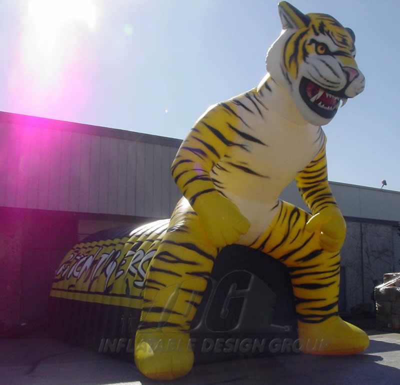 Inflatable Raton Tigers Custom Standing Mascot Tunnel